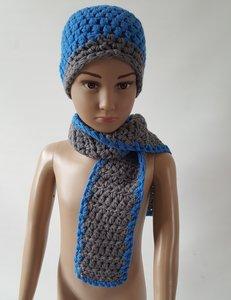 Gebreide peuter/kindermuts met sjaal