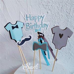 Verjaardagstaart/geboortetaart taartsteker shirt jongen